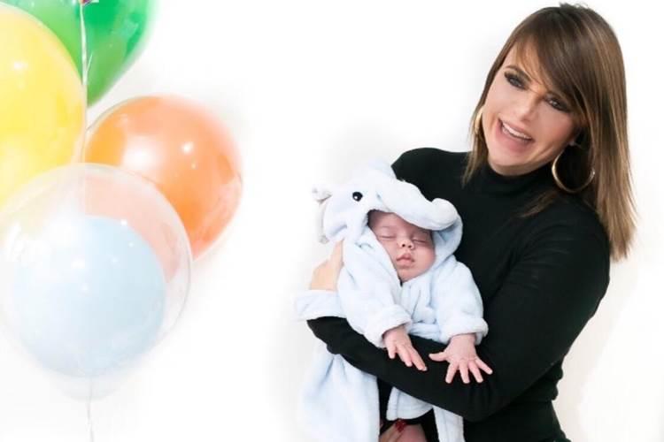 Valentina Francavilla comemora primeiro mês do filho