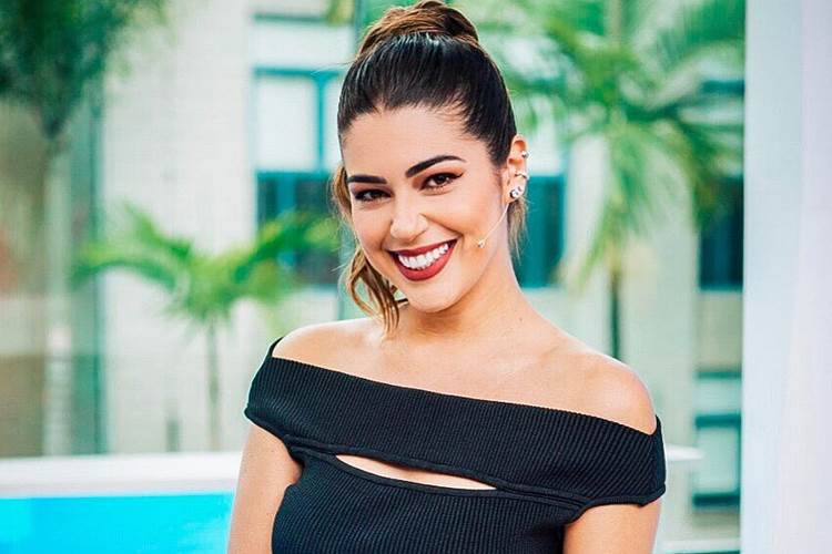 Vivian Amorim comemora os 3 meses como apresentadora do Vídeo Show