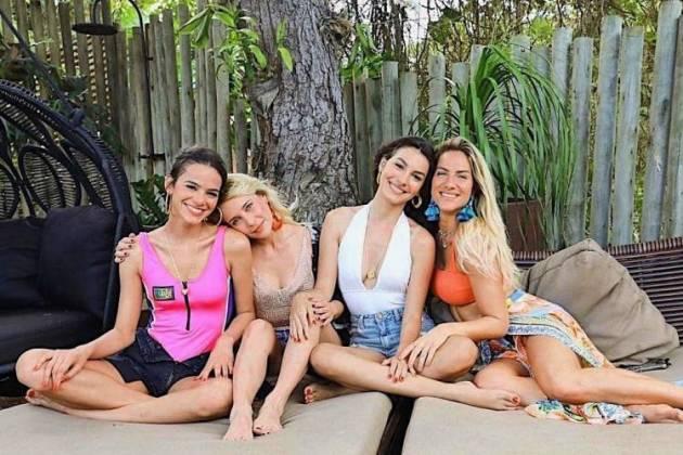 Bruna Marquezine, Fernanda Nobre, Marina Moschen e Giovanna Ewbank