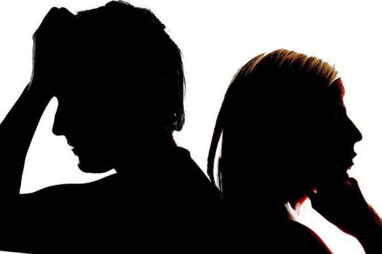 Acusado de agressão pela ex-namorada, cantor famoso não é encontrado pela Justiça
