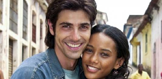 Taís e Reynaldo (Foto: reprodução Globo)