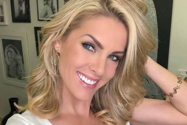 fd568e1c40829 Ana Hickmann leva prejuízo no amigo secreto da RecordTV - Área VIP