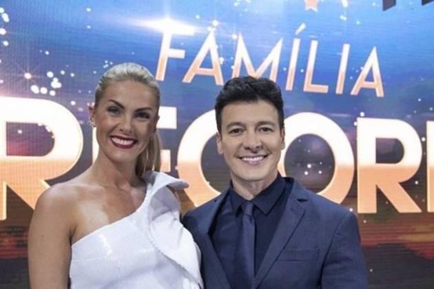 Ana Hickmann e Rodrigo Faro no Família Record (Edu Moraes/Record TV)