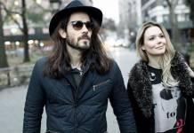 Graziella Schmitt ao lado do marido, também ator, Paulo Leal - Reprodução/Instagram