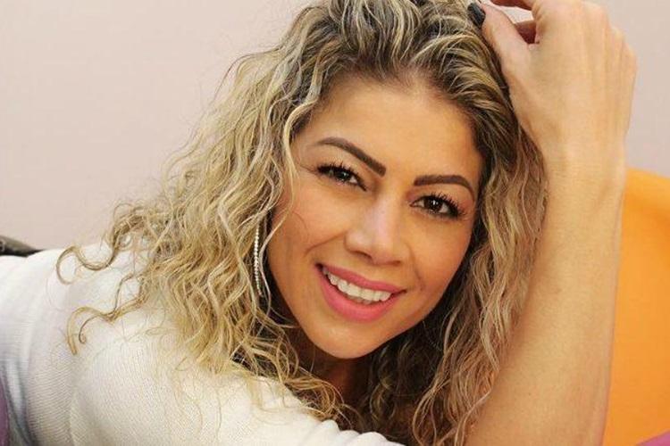 Ex-peoa Cátia Paganote anuncia biografia e promete revelações íntimas