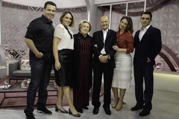 Edir Macedo e família (Antônio Chahestian / Record TV)