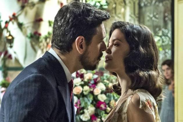 Espelho da Vida - Gustavo Bruno se declara para Julia Castelo (Globo/Estevam Avellar)