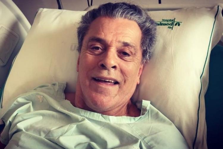 Após 45 cirurgias, ator tem alta de hospital