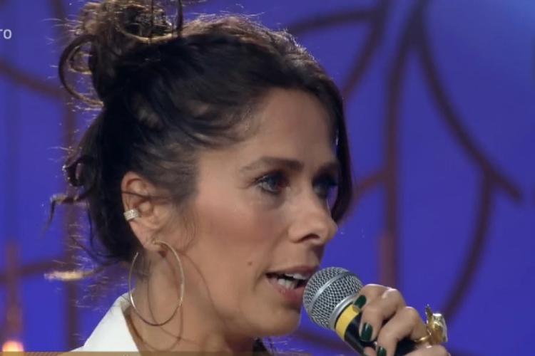 Contratada pela Record, Adriane Galisteu desperta irritação entre apresentadoras
