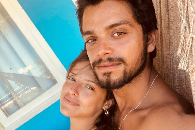 'Estamos Muito Felizes', Diz Rodrigo Simas Sobre O