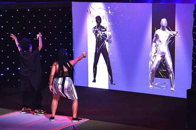 BBB19 - Painel eletrônico com dançarinos/TV Globo