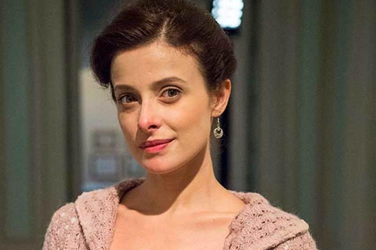 Longe da televisão, atriz Bruna Spínola tem dedicado seu tempo para velejar