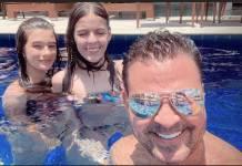 Eduardo Costa com a filha e sobrinha/Instagram