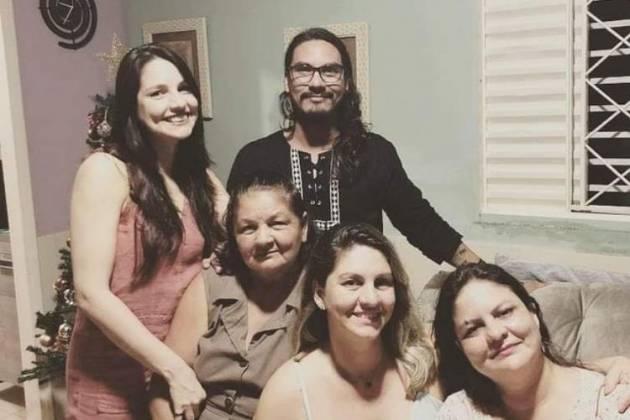 Vanderson e a sua família - Reprodução/Instagram