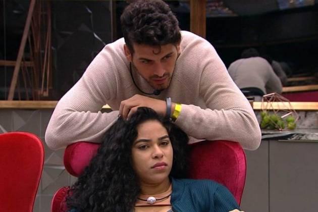 Elana e Maycon (Foto: TV Globo)