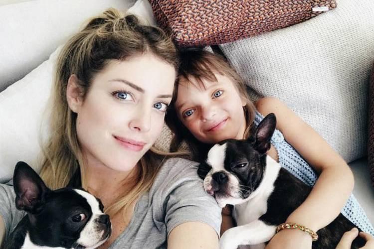 Rafaella Justus visita as sobrinhas gêmeas, filhas de Fabiana Justus