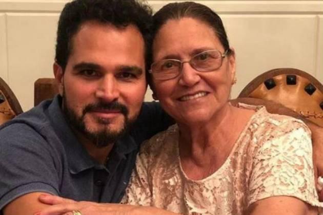 """Luciano Camargo se declara a mãe: """"Como foi bom esses dias ao seu lado"""" - Área VIP"""