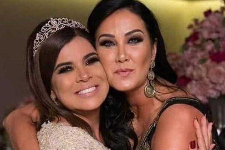 Mara Maravilha manda indireta em foto com Helen Ganzarolli