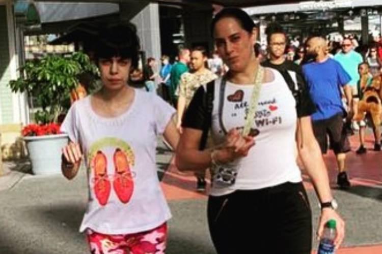 """Silvia Abravanel encanta ao homenagear a filha: """"Você me escolheu"""""""
