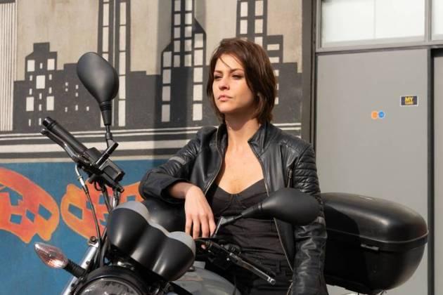 A Garota da Moto (Lourival Ribeiro/ Gabriel Cardoso - SBT.)