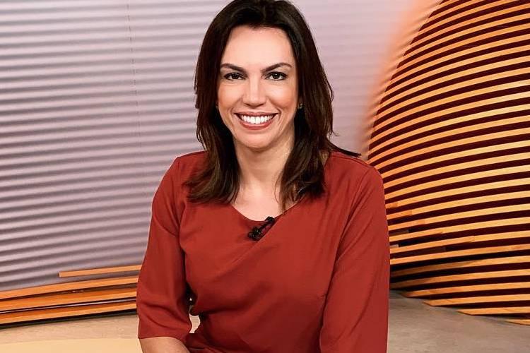 Durante jornal, Ana Paula Araújo anuncia que jornalista da Globo está grávida
