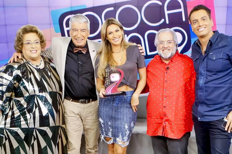 Fofocalizando recebe Troféu Prêmio Área VIP (Gabriel Cardoso/SBT)