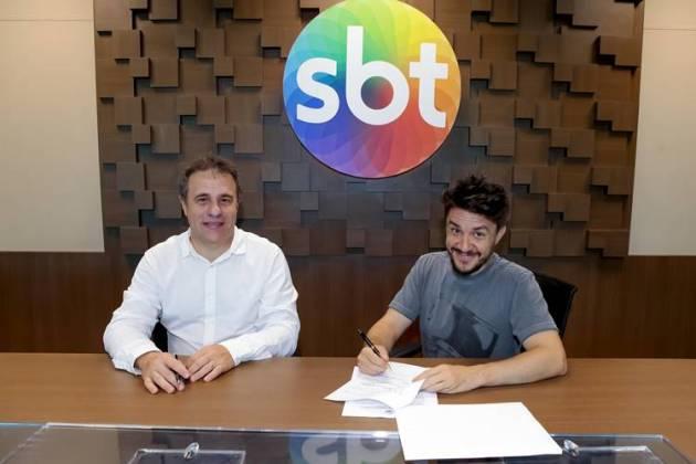 Oscar Filho assina contrato com o SBT ( (Lourival Ribeiro/SBT)