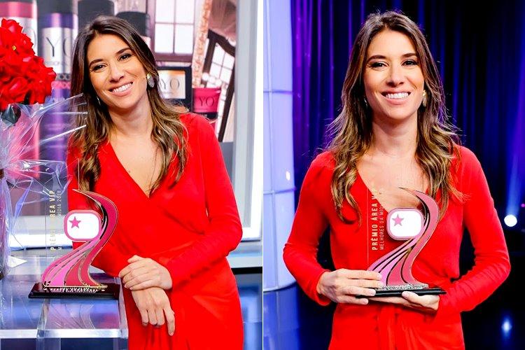 Rebeca Abravanel recebe troféu Prêmio Área VIP (Gabriel Cardoso/SBT)
