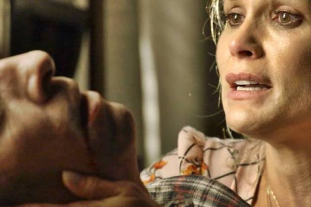 O Sétimo Guardião - Rita de Cássia encontra Machado morto (Reprodução/TV Globo)