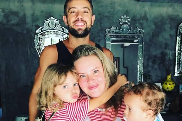 Rafael, Mariana e os filhos - Reprodução/Instagram
