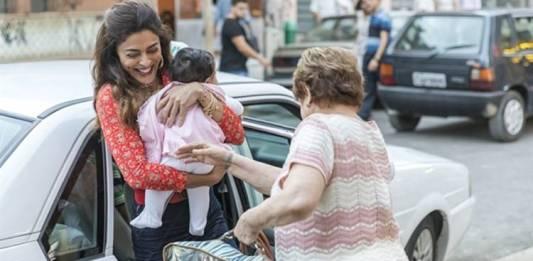 A Dona do Pedaço - Maria da Paz com a filha e Marlene (Globo/Paulo Belote)