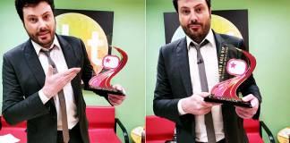 Danilo Gentili recebe troféu Prêmio Área VIP pelo The Noite