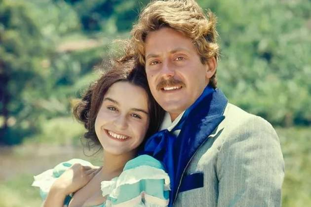 Lucélia Santos e Edwin Luisi como Escrava Isaura e Álvaro - Reprodução/Globo