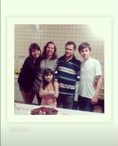 Rafael Miguel com a família/Instagram