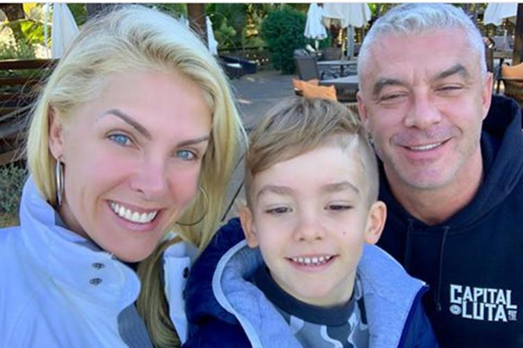 Ana Hickmann posta clicks da família e faz declaração