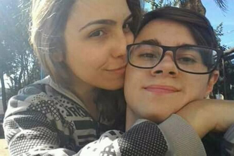 Isabela Tibcherani namorada de Rafael Miguel tatuou foto do ator