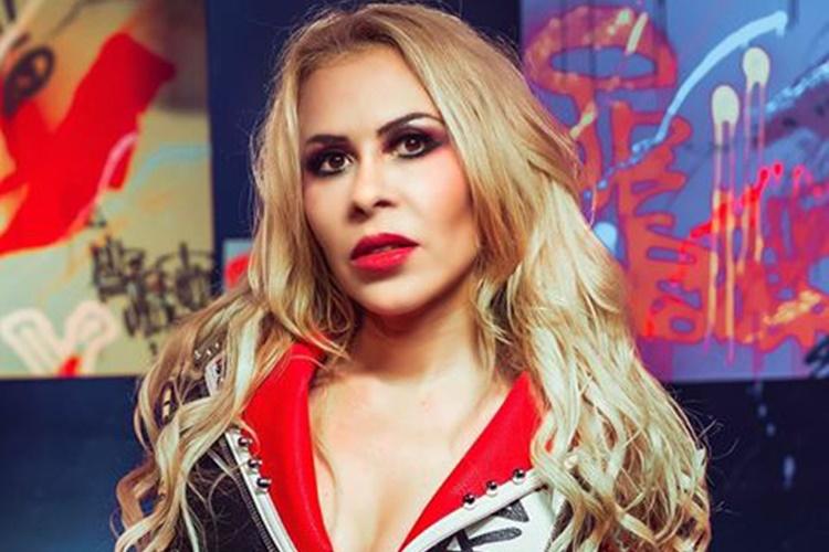 Joelma interrompe show por causa de briga