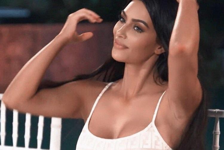 O segredo de Kim Kardashian para doença de pele; Confira!