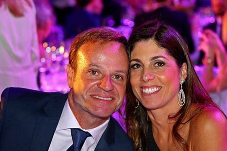 Piloto Rubinho Barrichelo termina casamento de 22 anos: 'A amizade continua'