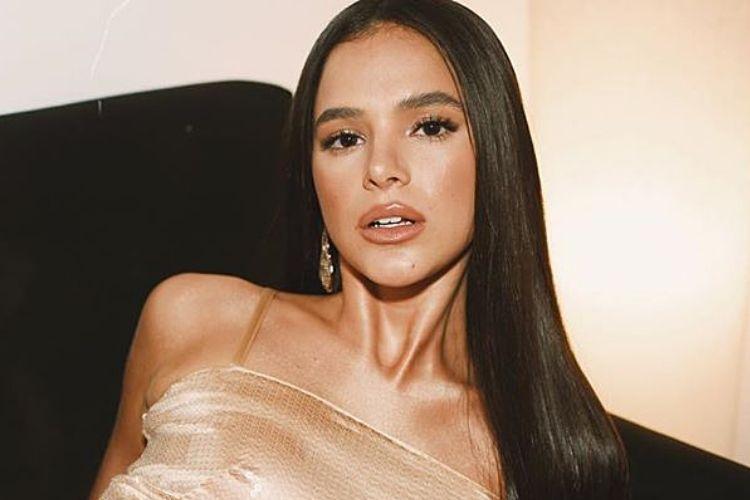 Novo amor? Bruna Marquezine é flagrada com ex-namorado de famosa; Veja!