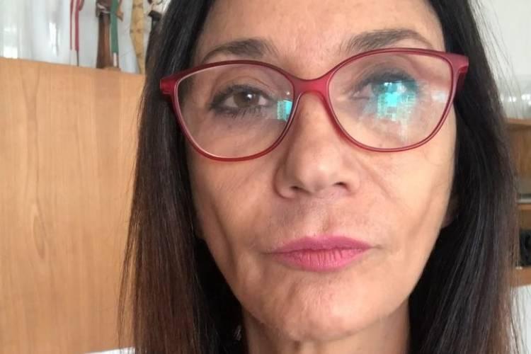 Zizi Possi pede desculpas após comentário polêmico sobre enfermeira