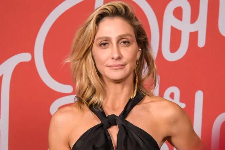 Amora Mautner, diretora de 'A Dona do Pedaço', revela sofrer pressão nos bastidores da Globo
