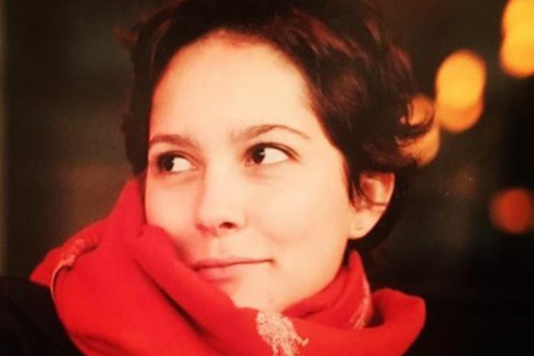 Jornalista Cecília Malan posta foto com filha no colo e encanta a web