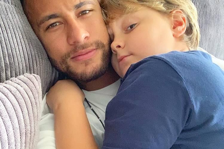 """Neymar Jr parabeniza o filho: """"Dia do meu pequeno grande menino homem"""""""