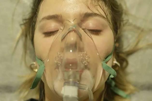 Órfãos da Terra - Dalila em coma (Reprodução/TV Globo)