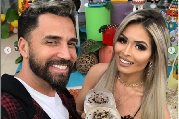 Cantor Latino e Rafaella Ribeiro Instagram