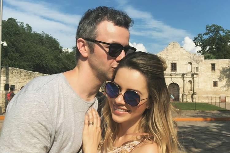 Lucas Lima e Sandy se despedem de viagem romântica a Paris e são surpreendidos