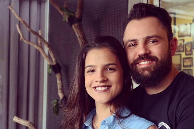 """Marcella Barra celebra 7 anos ao lado do sertanejo Mateus: """"Te amo"""""""