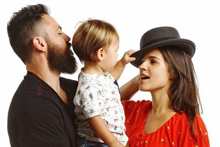 Sertanejo Mateus, da dupla Jorge e Mateus faz ensaio fotográfico com a esposa