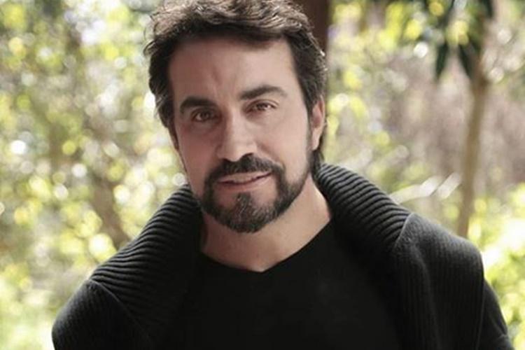 Fábio de Melo troca farpas com padre no Twitter